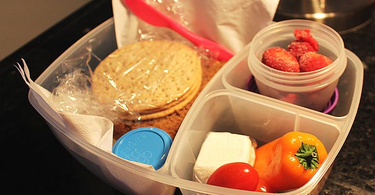 lunch5_crackerscheese